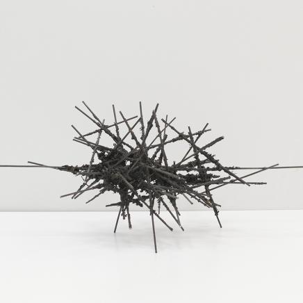 Retrato III, 2015, hierro y bronce, 80 x 32 x 28, 4kg