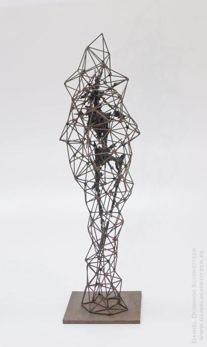 WEB. Daniel Domingo Schweitzer, Crisalida I, 2016, hierro y epoxi, 90x24x24cm