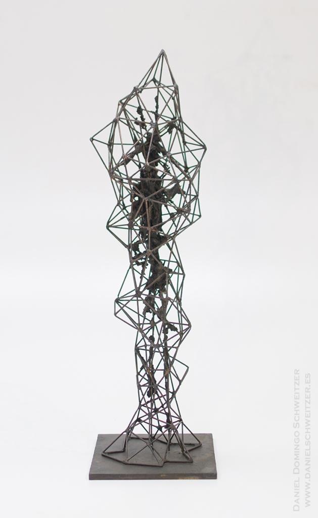 WEB1. Daniel Domingo Schweitzer, Crisalida II, 2016,  hierro y epoxi, 80x24x24cm, 1000€ (sin iva)