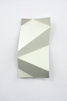 Torciones del espacio (blanco V), 2019, hierro lacado, 30x60cm web